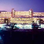 Athena Beach, Säälittävyys, Kypros