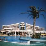 Laura Beach, Patos, Kypr